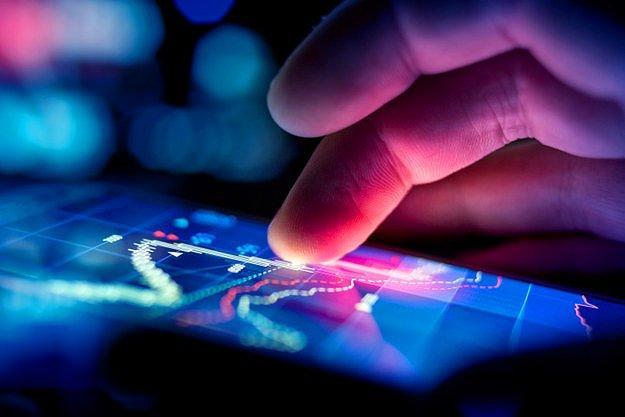 Скотт Вулфсон из Комиссии по определению безопасности товаров массового потребления в США сообщил, что травмы, полученные при использовании мобильных устройств нечасты, но все же случаются.