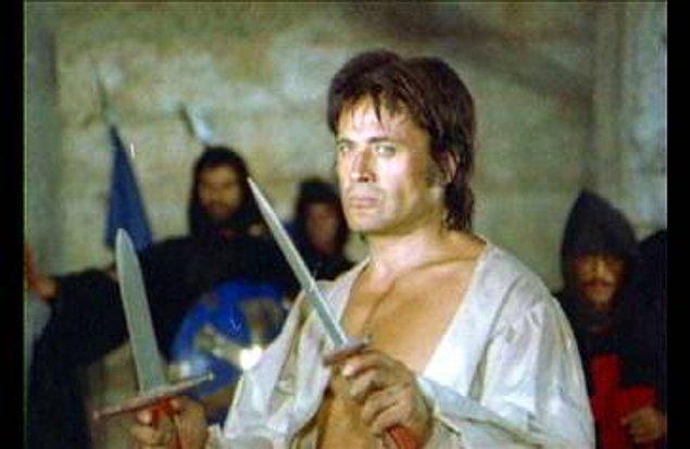 12. Kimse Battal'a haber vermedi mi ya, Truva'ya giriyoruz diye? Battalsız savaş mı olur, demirleri kim bükecek şimdi?