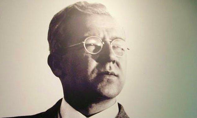 25 Şubat 1907'de, o dönem Edirne Viyayeti'ne bağlı olan Gümülcine Sancağı'nın Eğridere kazasında dünyaya geldi Sabahattin Ali.