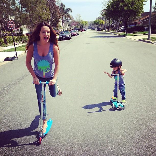 молодые мамочки умеют всё