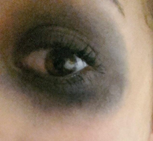 Gerçek hayatta dumanlı göz makyajı
