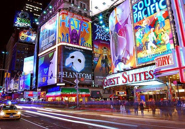 10. Broadway'deki muhteşem müzikallerden birini izleyin.