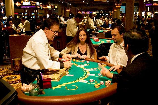 52. Las Vegas'ta blackjack oynayın.
