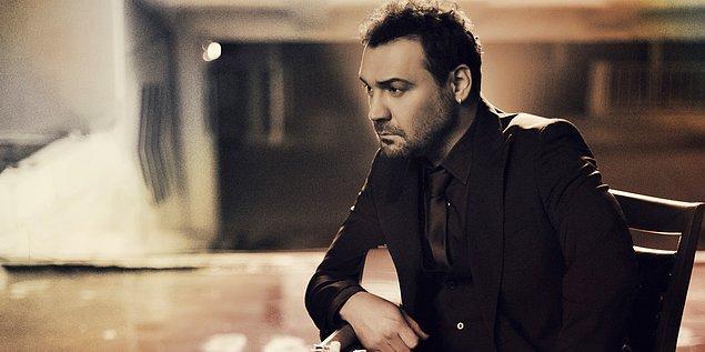 14. Yaşar özellikle 90'lara ve 2000'lere damga vurmuş Türk popunun sevilen sanatçılarından. Yaşar'ın soyadı nedir?