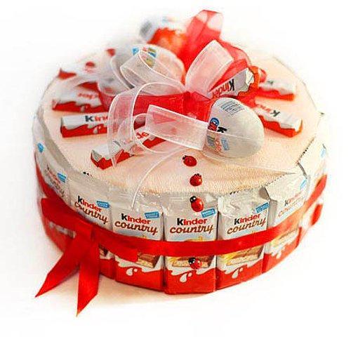 4. Торт или букет из киндеров ?