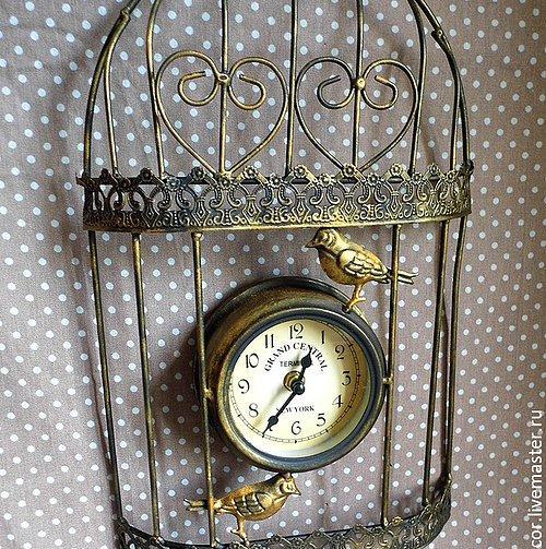6. Винтажные настенные часы ?