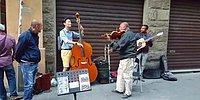 Музыка их связала: турист из Кореи присоединился к группе итальянских музыкантов