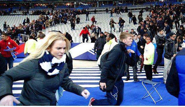 6. Artan tansiyon, Paris saldırılarındaki gibi son anda engellenen bir stadyum saldırısını akıllara getirdi ve insanları paniğe sevketti.