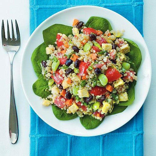 5. Kinoa ve Barbunya Salatası