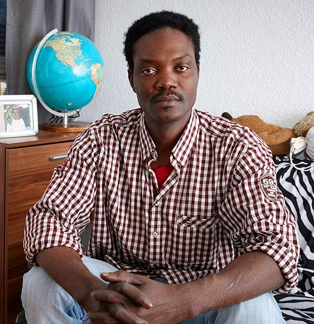 """5. """"25 yıldır Almanya'da olan kardeşim Kola'nın çocuklarının eğitimini üstlendim. İş kurması için para verdim ama ortada iş yok."""""""