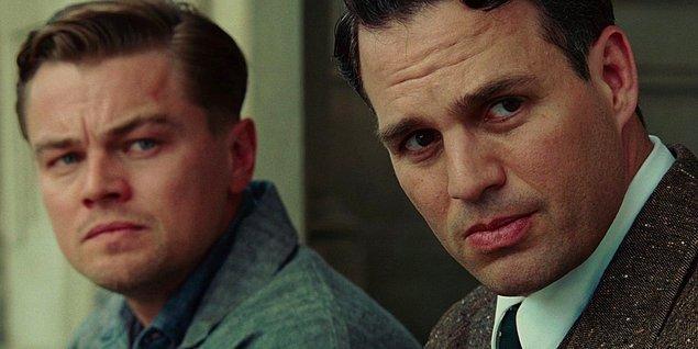 """12. """"Hangisi daha kötü olurdu; bi canavar olarak yaşamak mı, yoksa iyi bir insan olarak ölmek mi ?"""""""