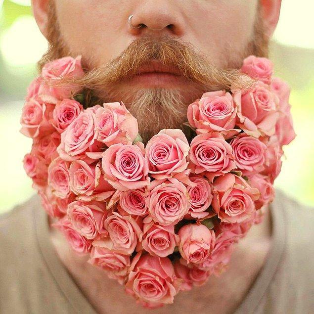 1. Renkli kaşlar, simli koltuk altları derken sıra çiçekli sakallarda...