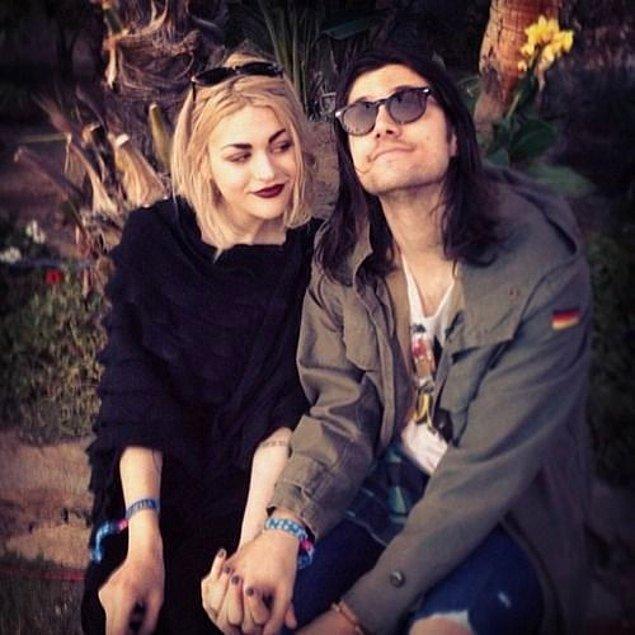 Bu evliliğin ardından bize çok sevilen Kurt Cobain'imizi anımsatan bu çift fotoğrafları kaldı.
