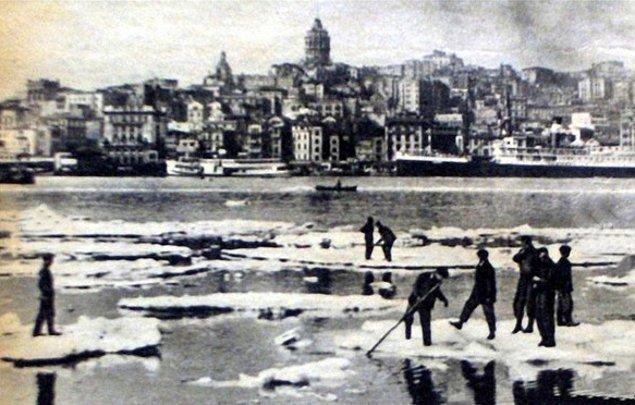 24 Şubat itibariyle Boğaz ve Haliç büyük buz kütleleriyle dolmaya başladı.