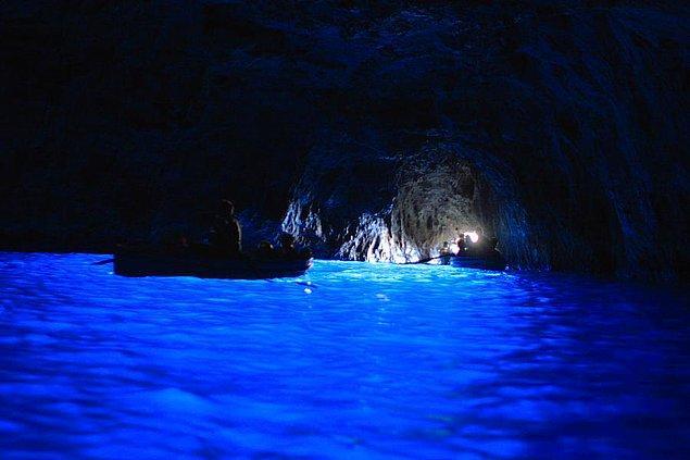 3. 60 metre uzunluğunda, 25 metre genişliğindeki bu deniz mağarasının derinliği ise 150 metre.