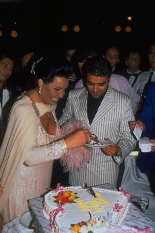 Boşandıktan sonra, Bülent Ersoy ve Nazan Şoray'ın sevgilisi Hakan Alkoç hakkında aşk dedikoduları çıktı.