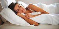 8 позиций для сна, полезных для здоровья