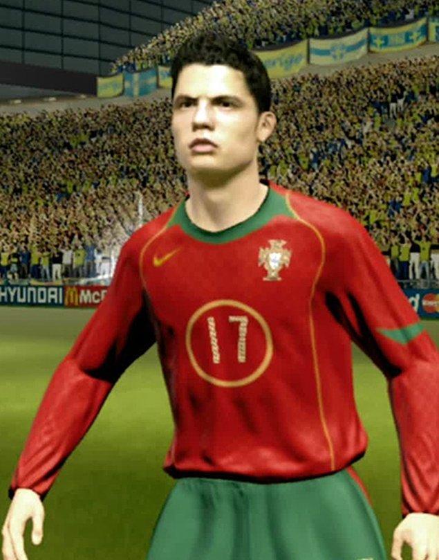 11. FIFA 2006'da C. Ronaldo ve FIFA 2016'da C. Ronaldo