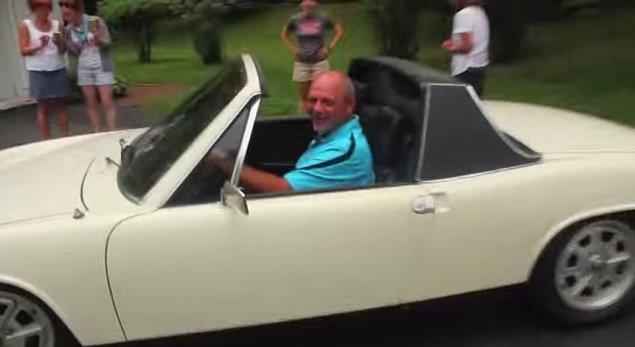 Daha sonra Phoenix'deki evinden üvey babasının bulunduğu Philadelphia'ya doğru harekete geçip 1973 model Porsche 914'ü üvey babasına hediye etti.