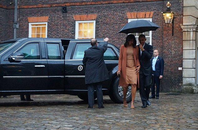 Amerika Başkanı Barack Obama ve eşi Michelle Obama, geçtiğimiz akşam Cambridge Dükü William ile eşi Kate Middleton'ı Kensington Sarayı'nda ziyaret etti.