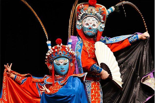 12. Yüzsüz Adamlar: Çin Mitolojisi'ndeki Bian Lian Geleneği