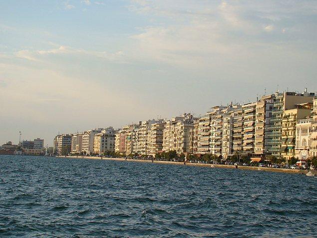 Aslında insanlarla beraber, tarih ve kültür taşındı; kentler daha da yakınlaştı. Aynı acıların ve doğduğu topraklardan ayrılmanın hüznü, hem Selanik'e hem de İzmir'e yıllar içinde kök saldı.