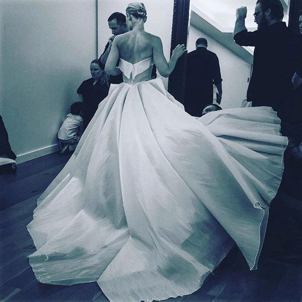 Светящее платье фото