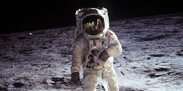 2. Ay'a İnsanlı Yolculuk