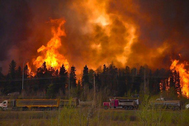 Kanada petrol sahalarındaki yangının büyümesi ham petrol fiyatlarında hızlı artışa neden oldu