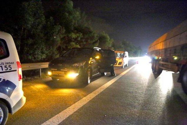 Olayın ardından koruma polislerinin aracının plakaları sökülmüş