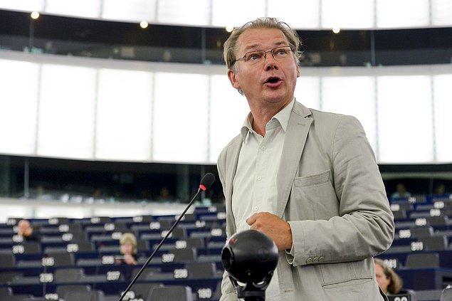 Belçika Yeşiller Partisi'nin Avrupa milletvekili anlaşmanın 'hayatta olduğundan şüphe duyduğunu' dile getirdi