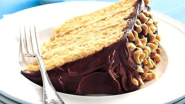 4. Yer Fıstıklı Kek