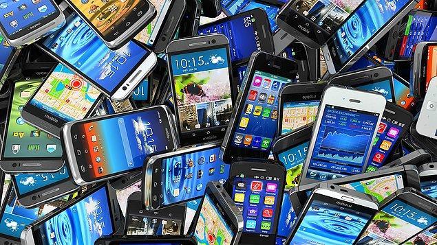Akıllı telefonlar zamlanıyor. Bandrol ücretleri yüzde 6'dan yüzde 7'ye yükseldi, durum fiyatlara yansıdı.