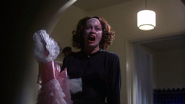 11. Mommie Dearest (1981)