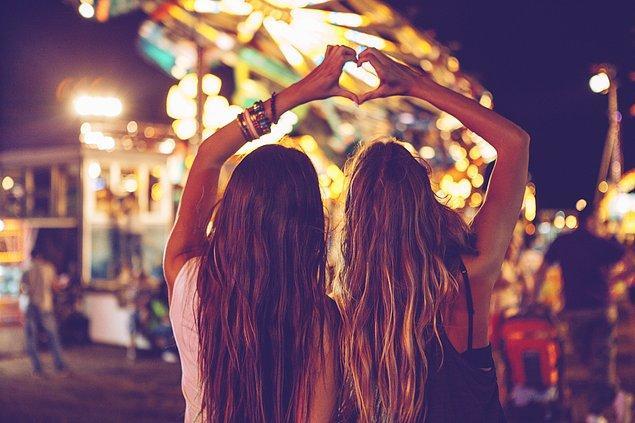 Festivallere gitmelisin!
