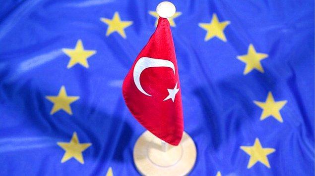 Türkiye'nin AB üyeliğine verdiği açık destek nedeniyle eleştiriliyor