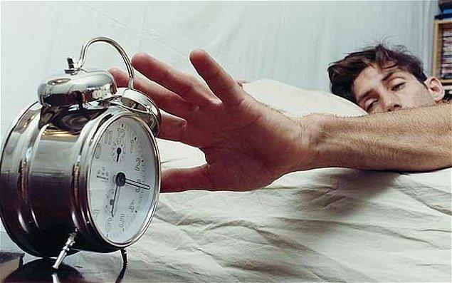 1. Çalar saatinizin yerini değiştirin.
