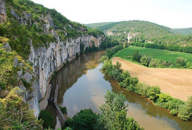 1990 yılında, Fransa'nın Aveyron Vadisinde gezinen Bruno, 15 yaşındaki bir çocuk, farkında olmadan oldukça büyük bir keşif yapmıştı.