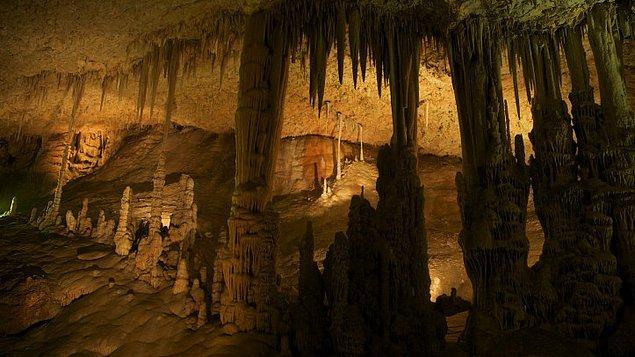 Üç yıllık çalışmanın ardından yollarını temizlediler ve mağaraya adım attılar.