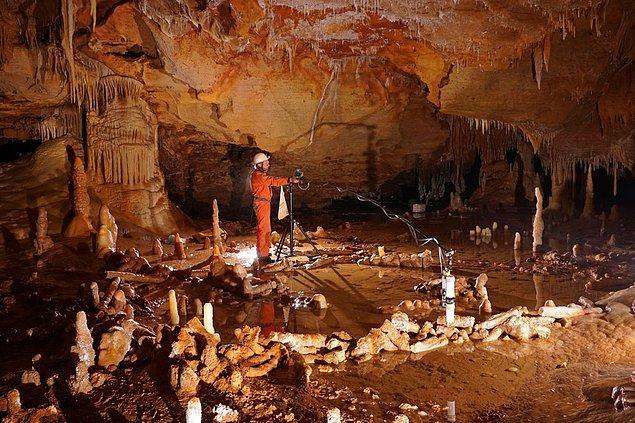 Mağaranın 336. metresinde sıradışı bir şeye rastladılar.