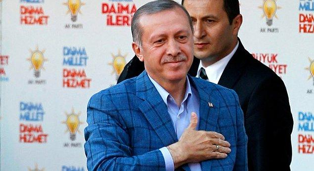 Bu ceketi bilmeyenimiz yok. Günümüzde birçok siyasi ve ünlü bu ceketi giyiyor. Cumhurbaşkanı Erdoğan'ın öncülük ettiği akım günden güne yayılıyor. Sosyal medyada ''Başbakan'' olmak için 1.şartın bu ceket olduğuna dair ciddi iddialar var. 😃