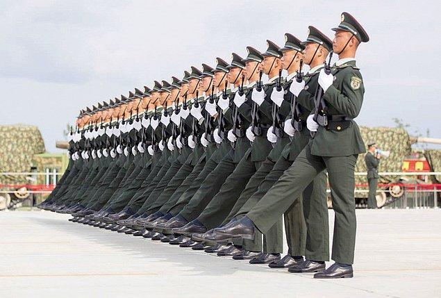 3. Çin Halk Kurtuluş Ordusu, II. Dünya Savaşı bitiminin 70. yıl dönümünde gerçekleştirecekleri gösterinin çalışmalarında.