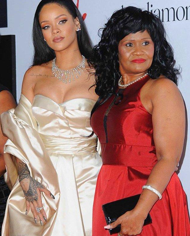 7.Rihanna'nın annesi