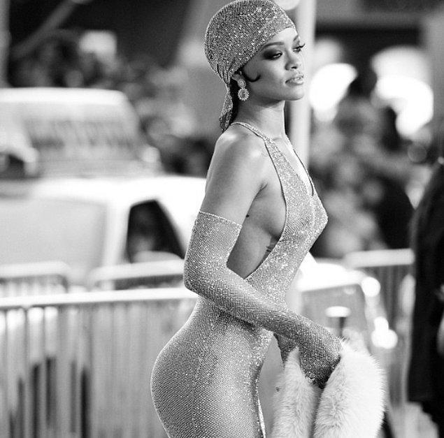 23.Ayrıca Rihanna Victoria's Secret'ın seçtiği tüm zamanların en seksi kadını.