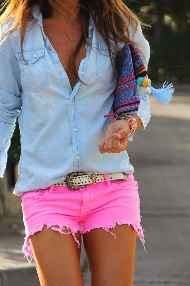 7. Renk seçimlerinden asla pişman olmayacağınız belki de tek kıyafettir.