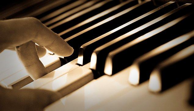 4. Dünyada kaç tane piyano akortçusu yaşamaktadır?