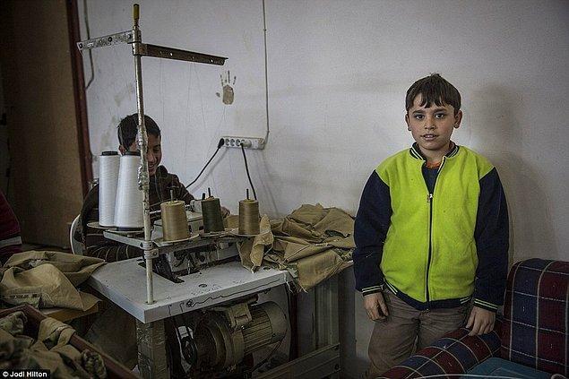 Atölyede çalıştırılan çocuklar becerilerine göre günlük 40TL ile 70TL arası para kazanıyorlar
