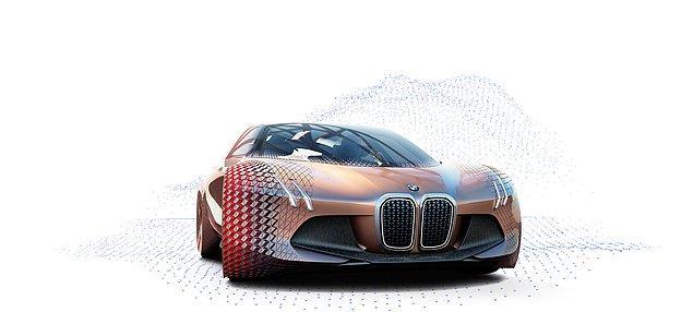 6. Geleceğin teknolojisini bugüne taşıyan ve BMW'nin 100 yıllık köklü tarihini simgeleyen konsept otomobil hangisidir?