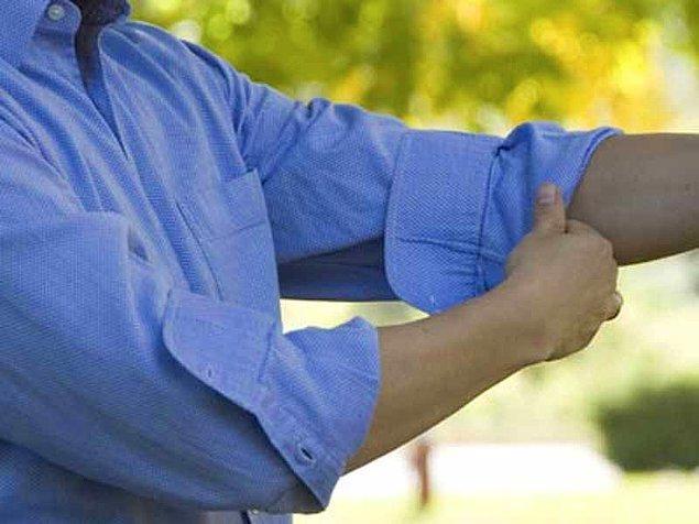 1. Gömleklerinizin kollarını doğru biçimde kıvırın.