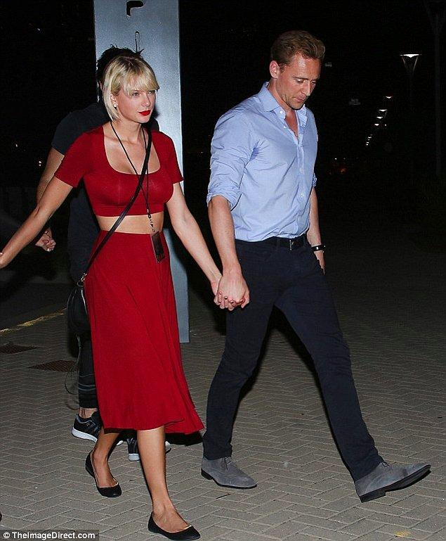 7. Geçtiğimiz hafta öpüşme fotoğrafları basına sızan Taylor Swift ve Tom Hiddleston artık ilişkilerini saklamıyor.